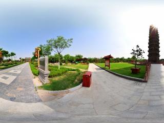 公园铁塔全景