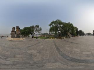 天津—河西塔湖风景区广场