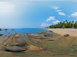 海边沙滩全景