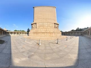 纪念塔背面