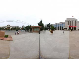 博物馆广场