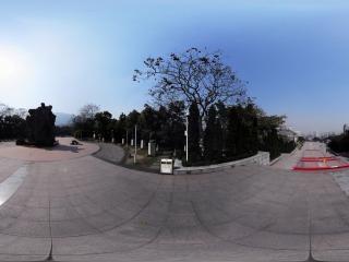 重庆—红岩魂广场陵园雕塑全景