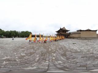 甘肃—嘉峪关关城前的广场