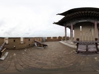 甘肃—嘉峪关城墙上得炮台