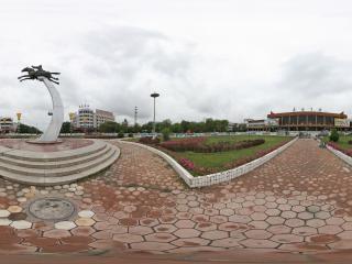 嘉峪关火车站广场的雕塑-驿站