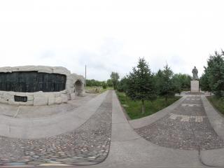 嘉峪关关城前的雕塑广场