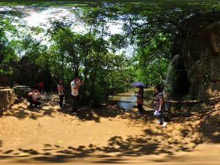 马尾瀑全景