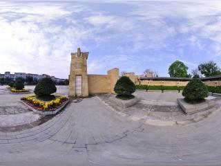 纪念园正门右侧