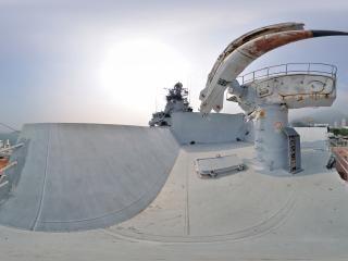 舰艏导弹发射台