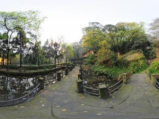 石刻园桥上