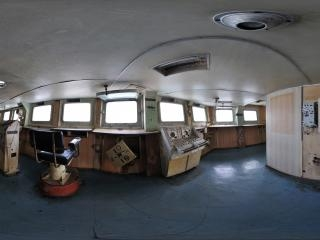 航母驾驶台