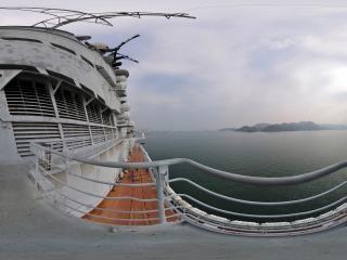 飞行指挥室右舷观景台