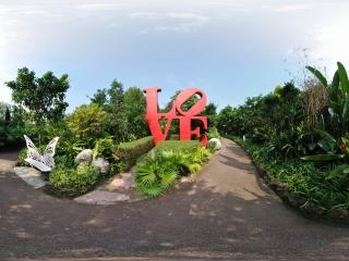 兰花园LOVE雕像