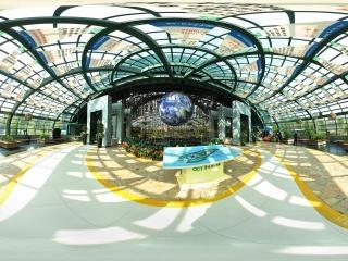 四季植物馆入口巨型地球仪