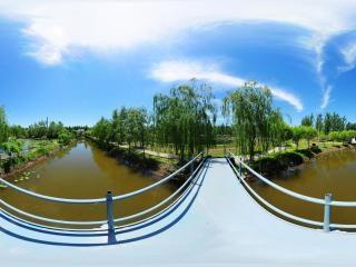 水上乐园铁桥