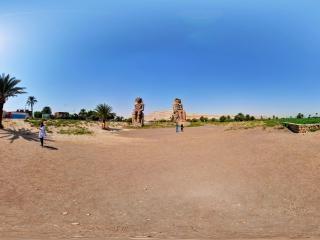 埃及—卢克索哭泣的孟农神庙全景