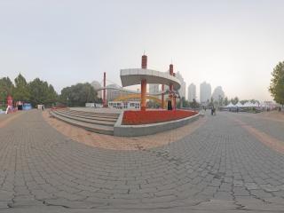 北京—朝阳区朝阳公园南大门内