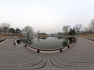 北京—海淀玉渊潭公园(雾霾天)全景