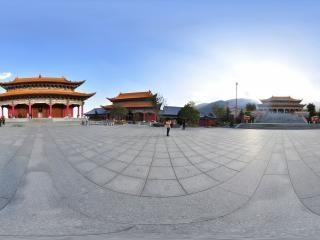 大雄宝殿前广场