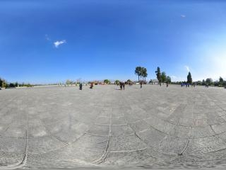 三塔广场全景
