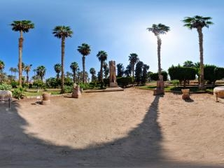 孟菲斯-拉米西斯神像全景