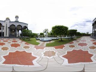 杰米大清真寺门口全景