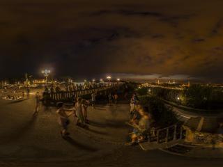 夜间远眺佛罗伦萨全景