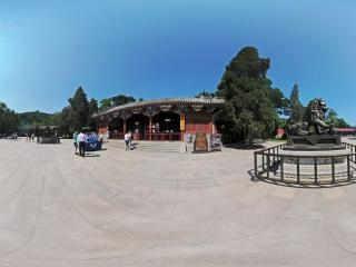 北京—海淀香山公园西大门前全景