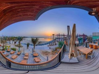 La Mer 海滩区及拉古纳水上乐园全景