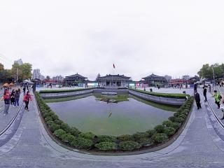 南门广场全景