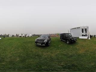 2011唐人马球公开赛上的名牌汽车全景